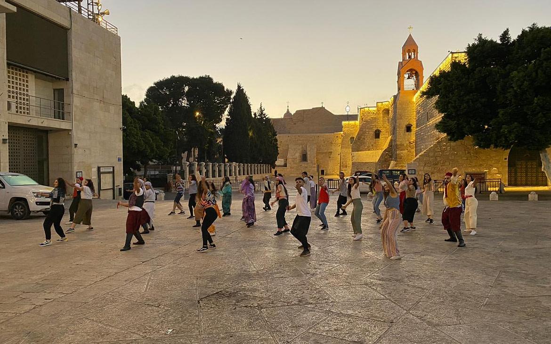 """مركز بلدي يشارك في تحدي الرقص العالمي """"جيروساليما"""""""